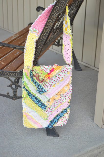 Herringbone Sling Bag Pattern by A Vision to Remember