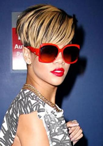 Rihanna siyah saça sarı balyaj