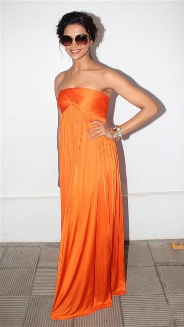 Deepika Padukone Latest Sexy Pics