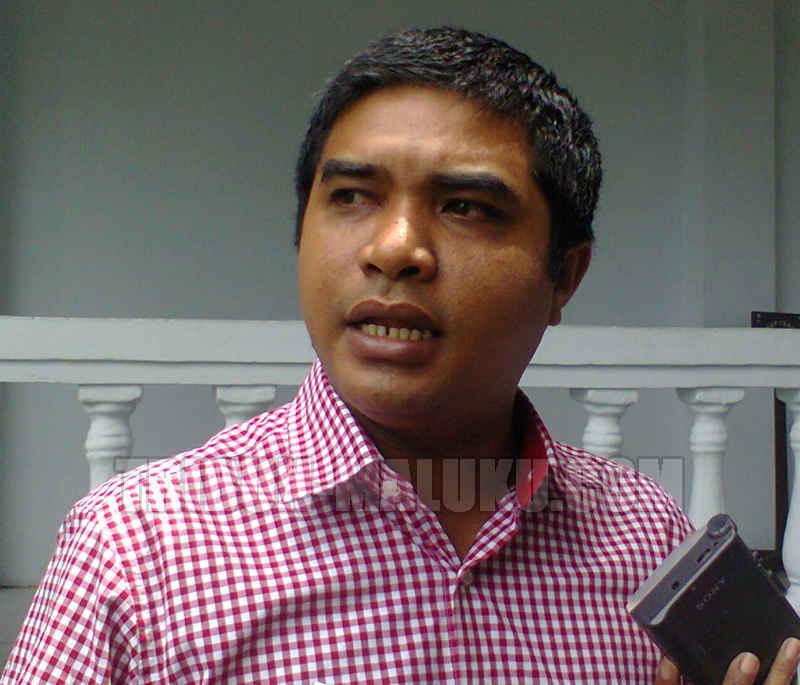 Ketua Fraksi PPP DPRD Kota Ambon Rofik Afifudin berpendapat, besaran angka kenaikan tarif parkir seharusnya dibicarakan pemerintah kota dengan dewan untuk mendapatkan pertimbangan, meskipun eksekutif berhak mengevaluasi tarif lama.