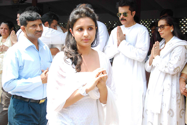 Parineeti chopra Hot sexy cute white dress photos pictures pics stills wallpapers 2012  - Parineeti chopra At Funeral Of Mona Kapoor