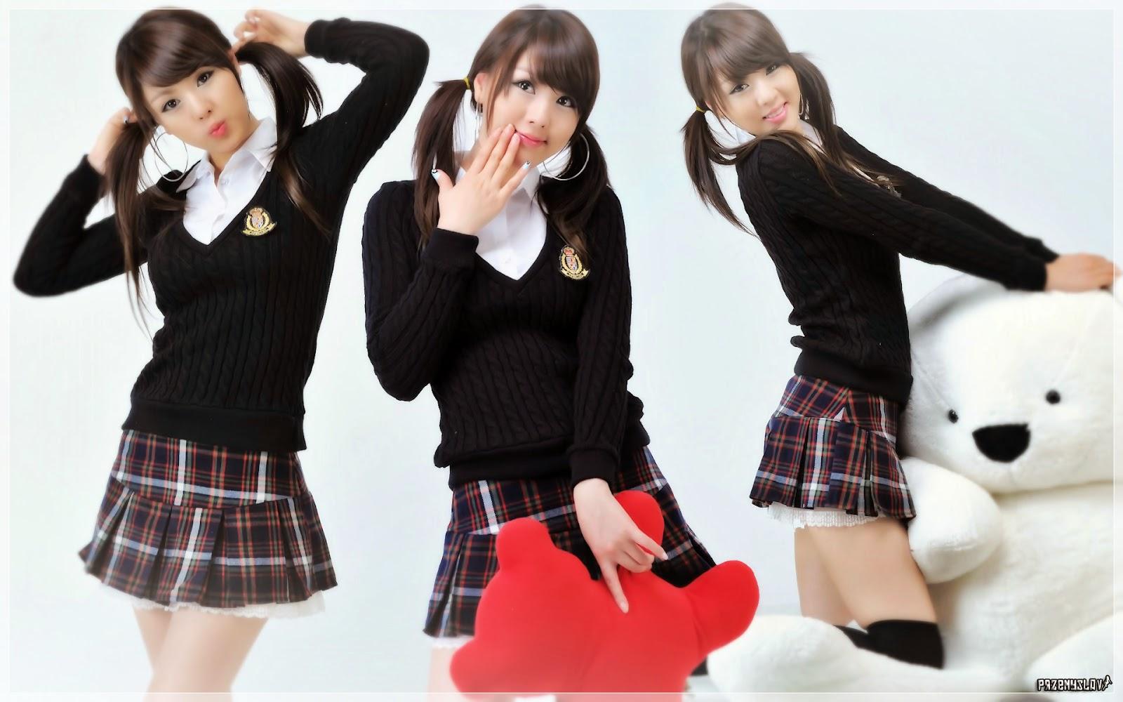Chinese School Girls Wallpaper