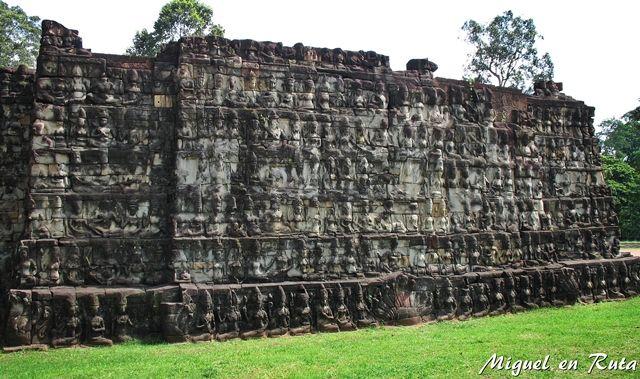 Terraza-Rey-Leproso-Angkor