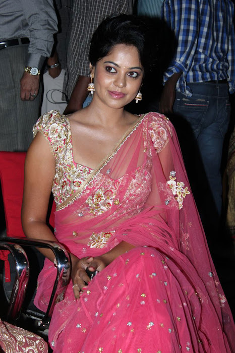 bindu madhavi new saree hot images