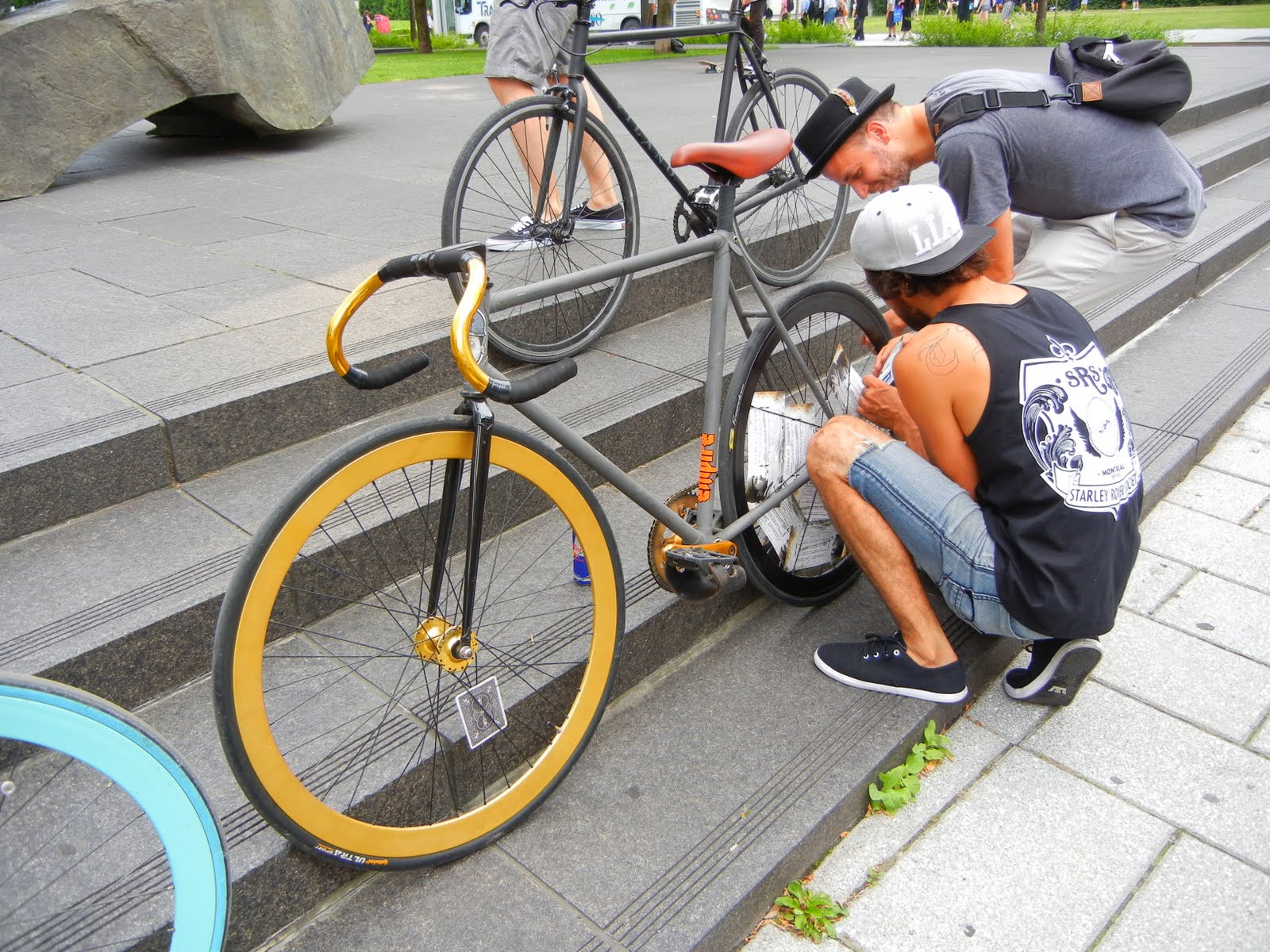 Free advice on how to fix your bicycle: Fixie Bike fix Montreal