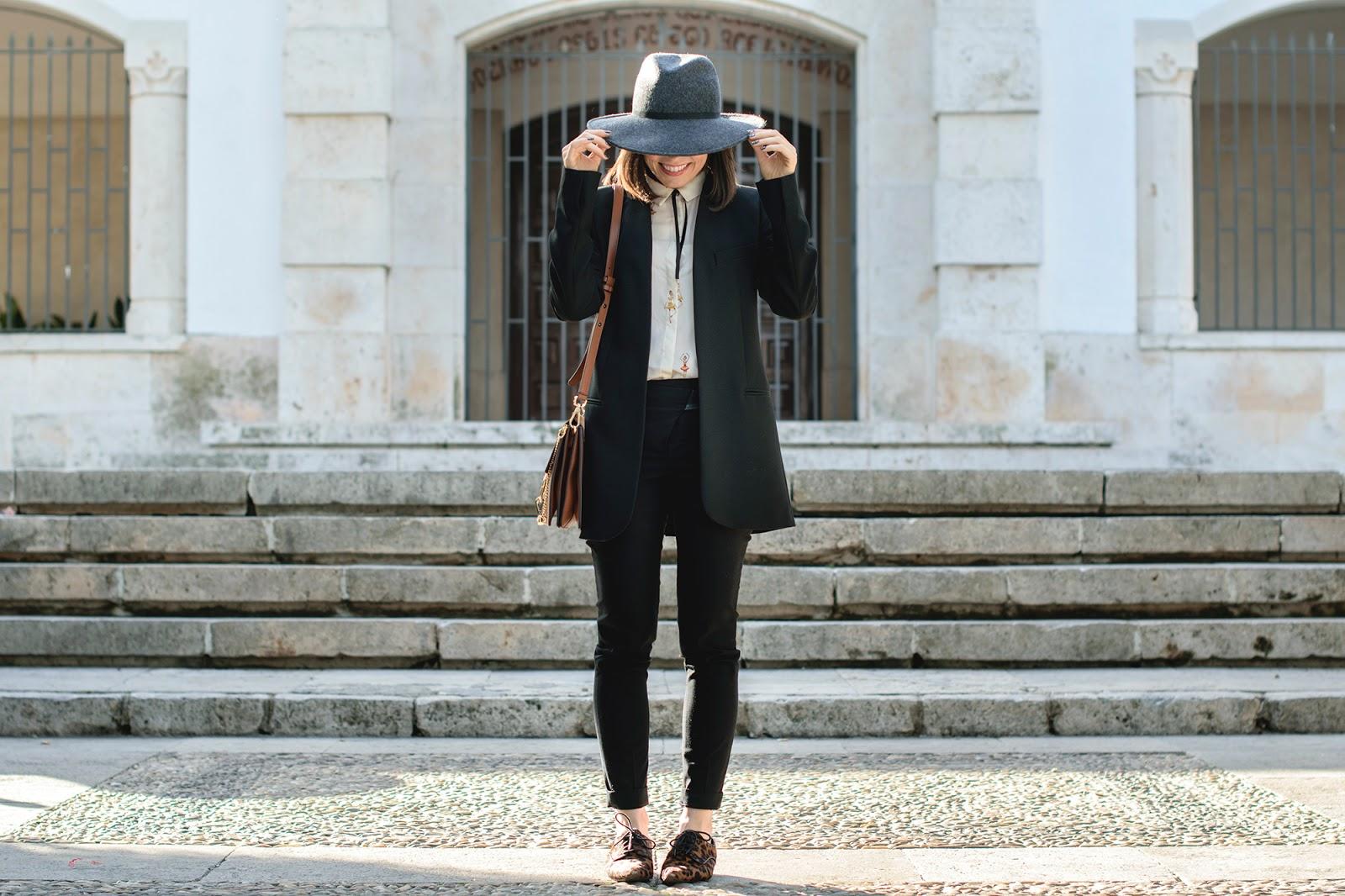 Total look de zara con blazer y blucher de leopardo
