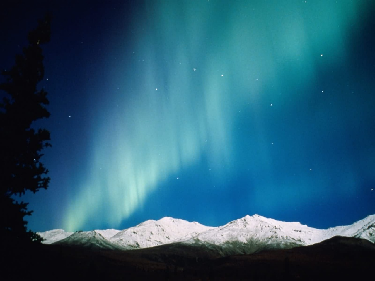 http://3.bp.blogspot.com/-81sBvCd_rQ0/TiTiifAigiI/AAAAAAAACEU/mXyLbTSh4r0/s1600/night-lights-aurora-borealis-alaska-1280x960.jpg