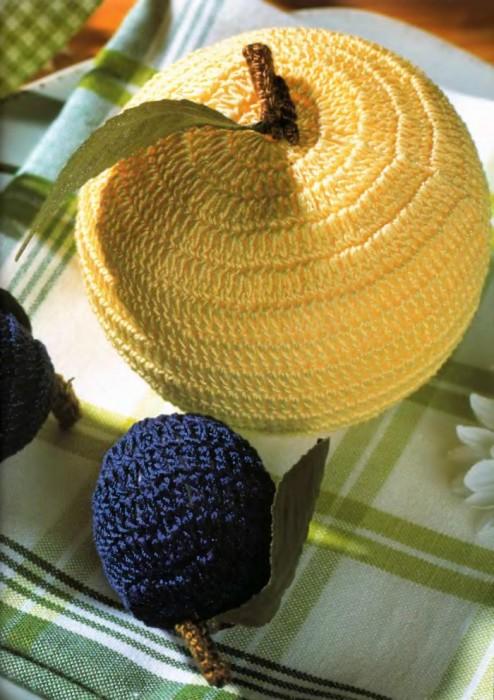 Вязанные фрукты и плоды