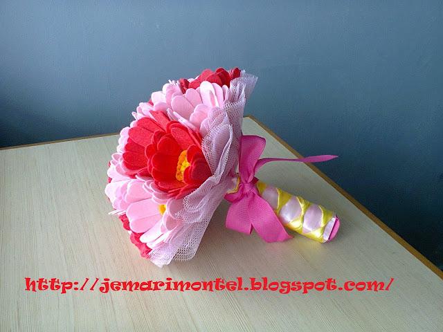 bunga tangan felt daisy