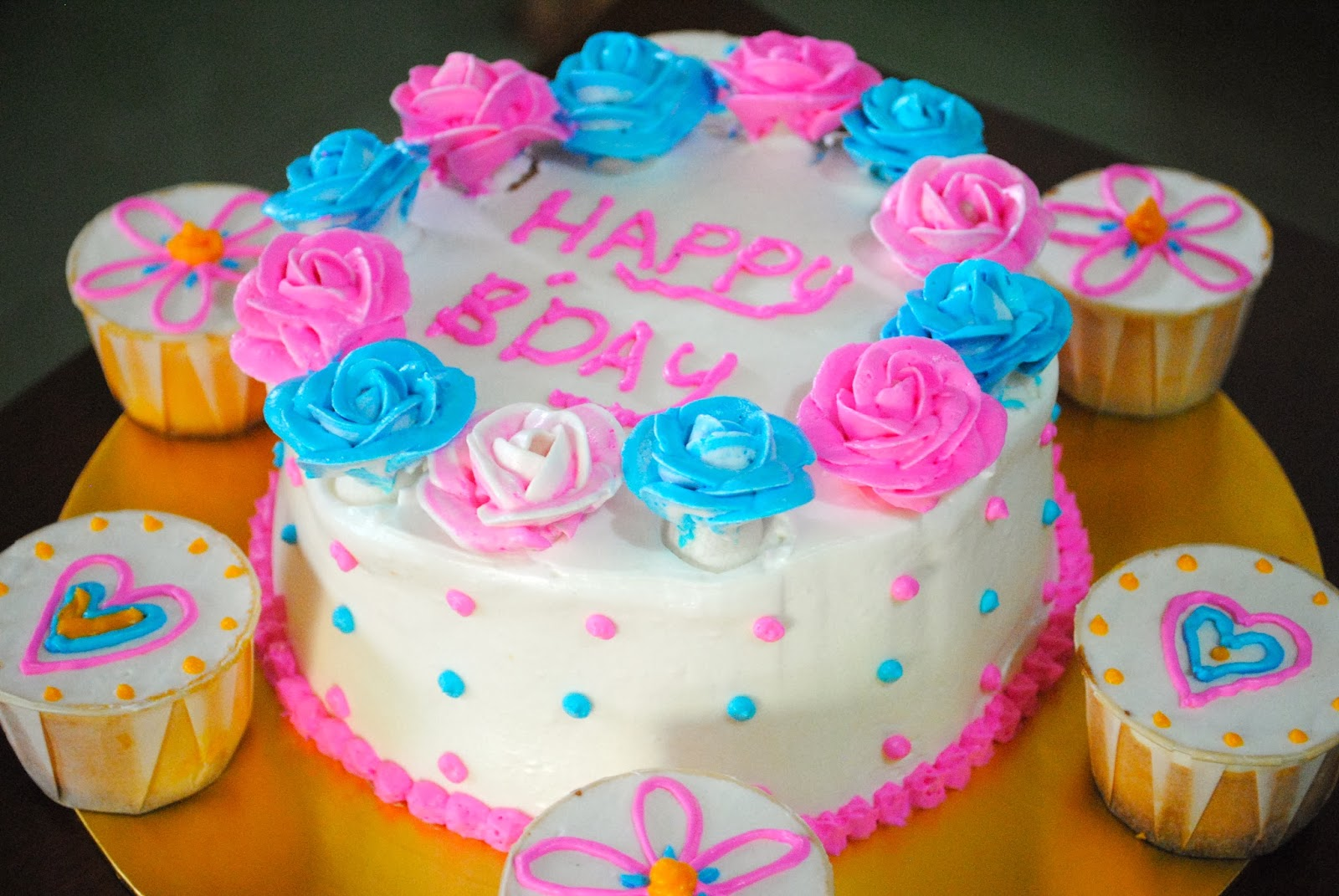Fuchsia Royale: Blue And Pink Themed Birthday Cake - 1600x1071 - jpeg