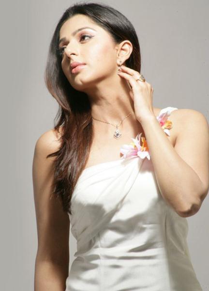 bhumika chawla unseen new actress pics