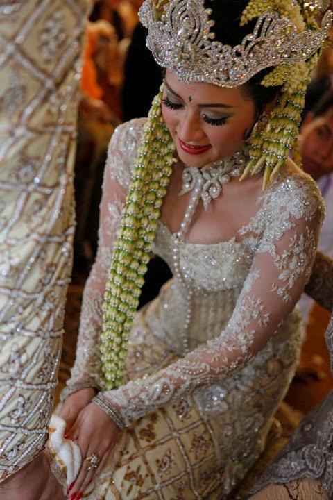 Foto Model Baju Kebaya Donita