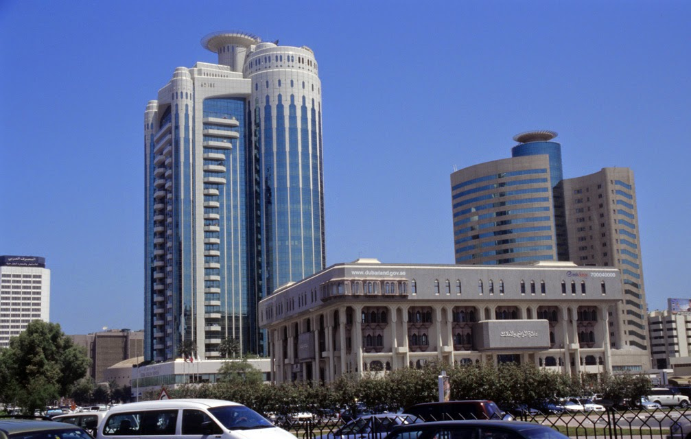 Dubai, landlords, contracts, dubai land department