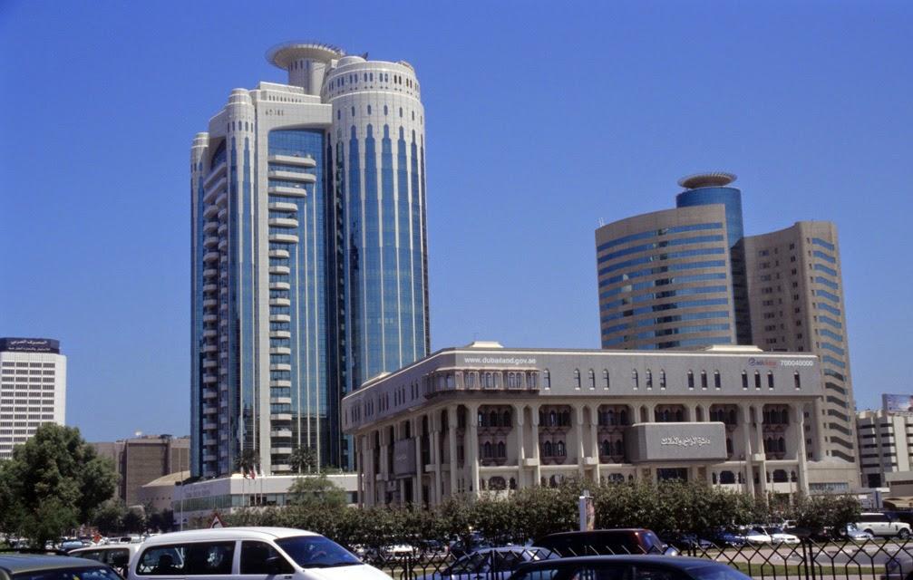 Dubai, landlords, contracts, dubai land department