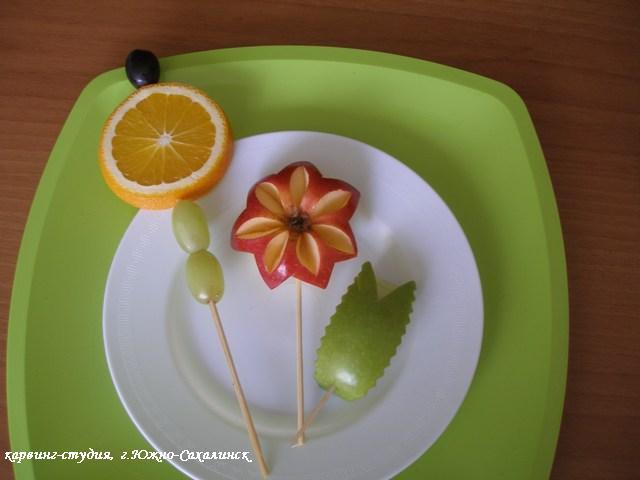 Букет из цветов и игрушек своими руками
