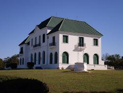 Próximamente ( septiembre) La casa de la esquina allí, en...