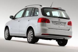 Fotos do Novo SpaceFox 2014 da Volkswagen traseira