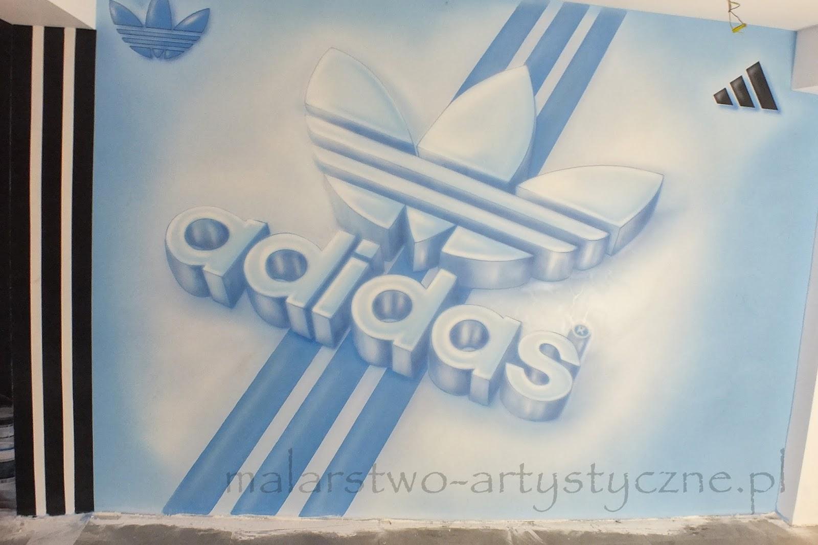 rtystyczne malowanie obrazu na ścianie w sklepie z butami, aranżacja sklepu poprzez malowanie, Warszawa