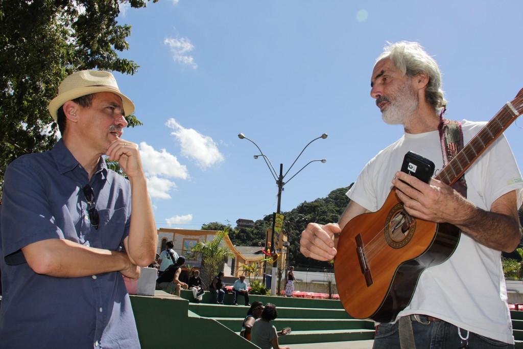 Secretário Wanderley Peres e o apresentador do Cultura de Raiz, Beto Selig