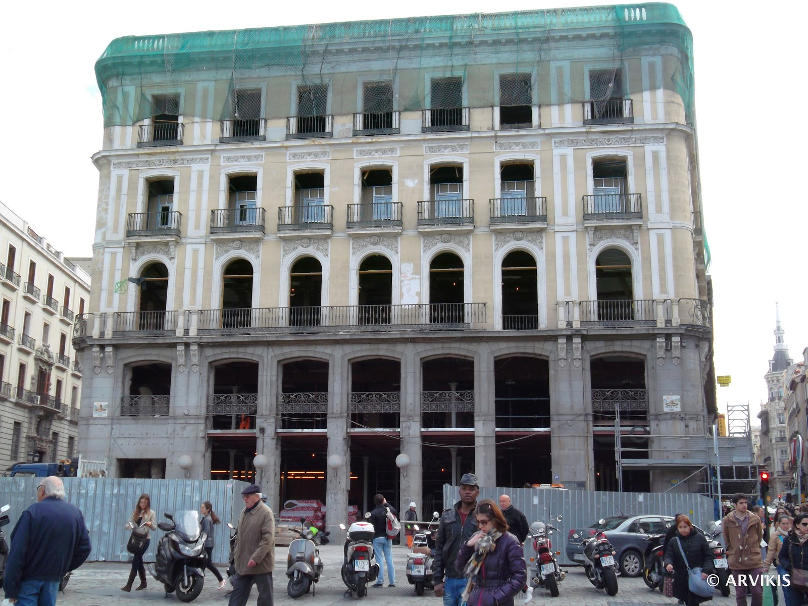 Arvikis madrid el edificio tio pepe antiguo for Edificio puerta del sol