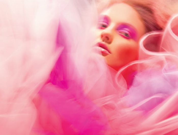 http://www.maccosmetics.de/whats_new/12393/New-Collections/A-Fantasy-of-Flowers-Pink/index.tmpl