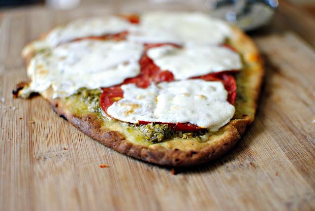 Naan Personal Pizzas l SimplyScratch.com