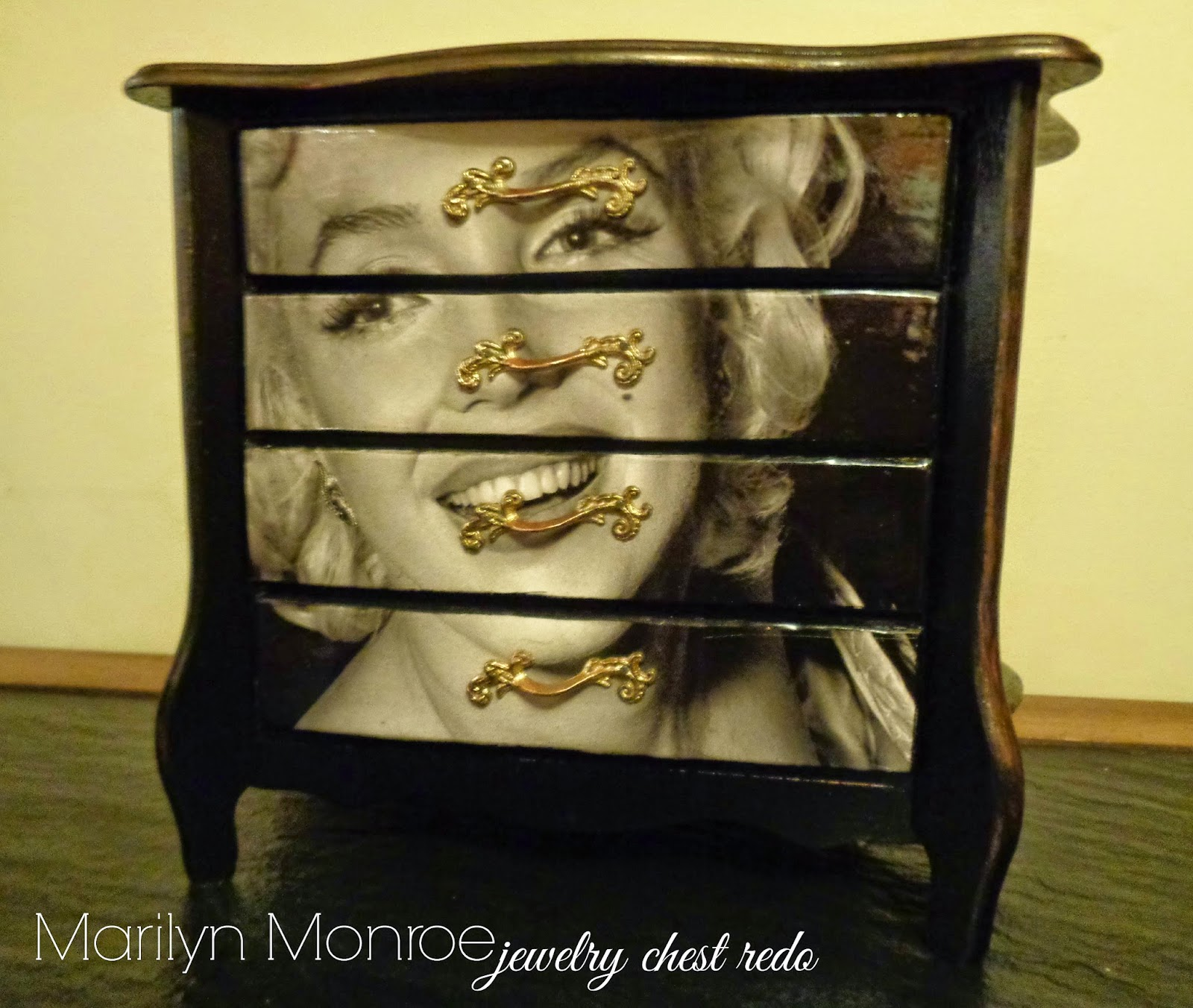 Marilyn Monroe Jewelry Box Makeover