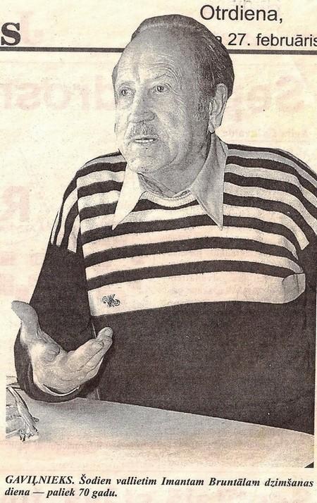 Imants Bruntāls 2001. gadā pirms savas 70. dzimšanas dienas