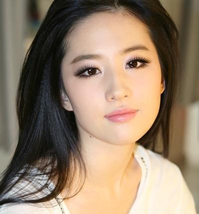 http://3.bp.blogspot.com/-83Ynwb65eeI/UBBV-_Z-HoI/AAAAAAAAFfQ/5F5125ewsEU/s1600/Crystal+Liu+Yi+Fei+beautiful+chinese+actress+smile.jpg