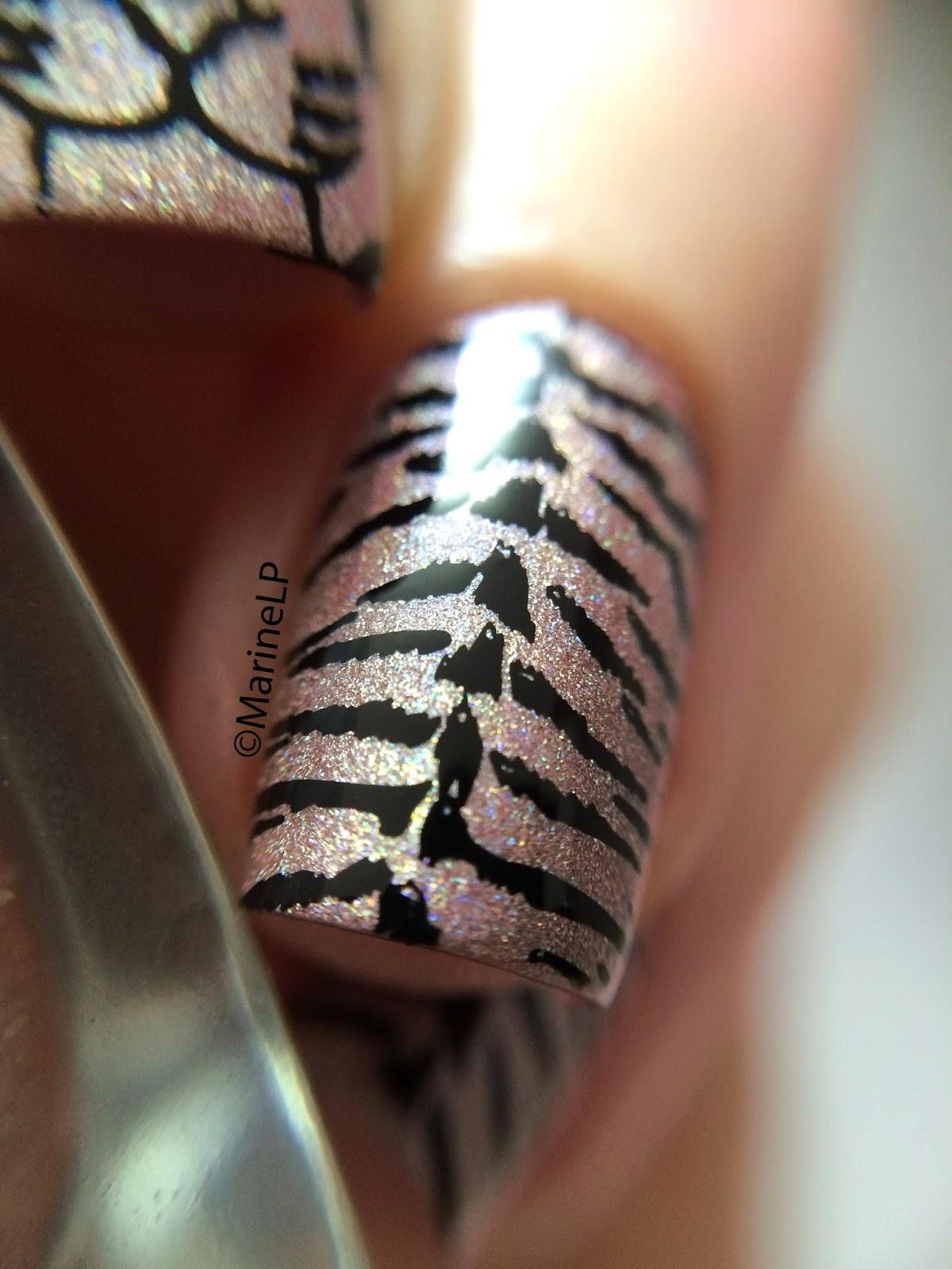 Tatouage De Rose En Noir Et Blanc - Inspiration tattoo modèles de tatouages fleurs Be BaRock