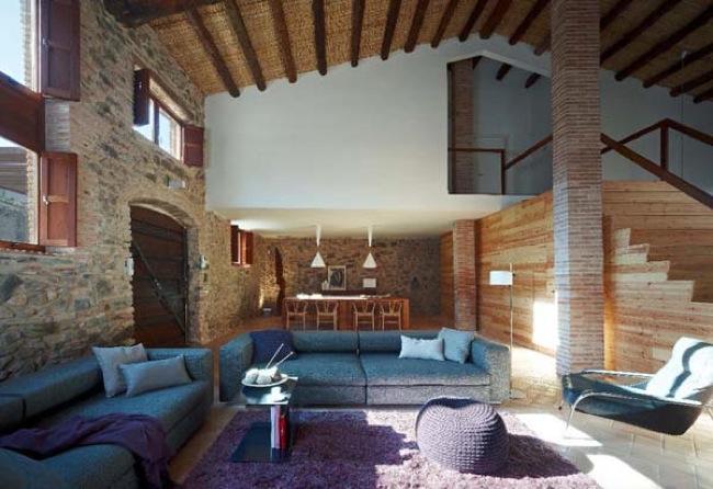 Elena anuskan interior design mayo 2013 for Casa moderna rustica