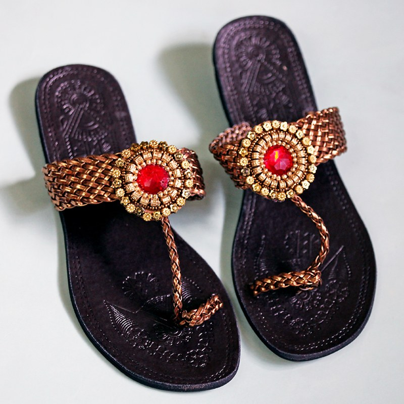 Chappals stylish for girls forecasting dress in autumn in 2019