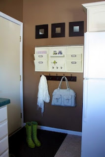 Source: http://www.houzz.com/ideabooks/2224848/list/Organizing-Starts-at-the-Door/?utm_source=feedburner&utm_medium=feed&utm_campaign=Feed%3A+houzz+%28Houzz%29