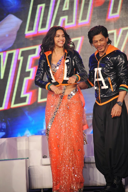 Deepika Padukone is Gorgeius Orange Saree Must See at Happy New Year Trailer Launch Mumbai