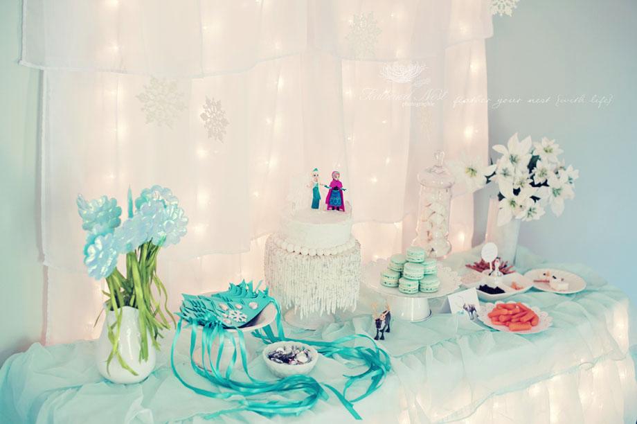 the MomTog diaries Simple Sweet Ellas Frozen Celebration