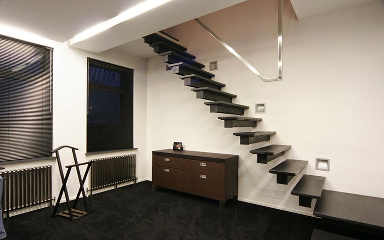 floating interior stairs