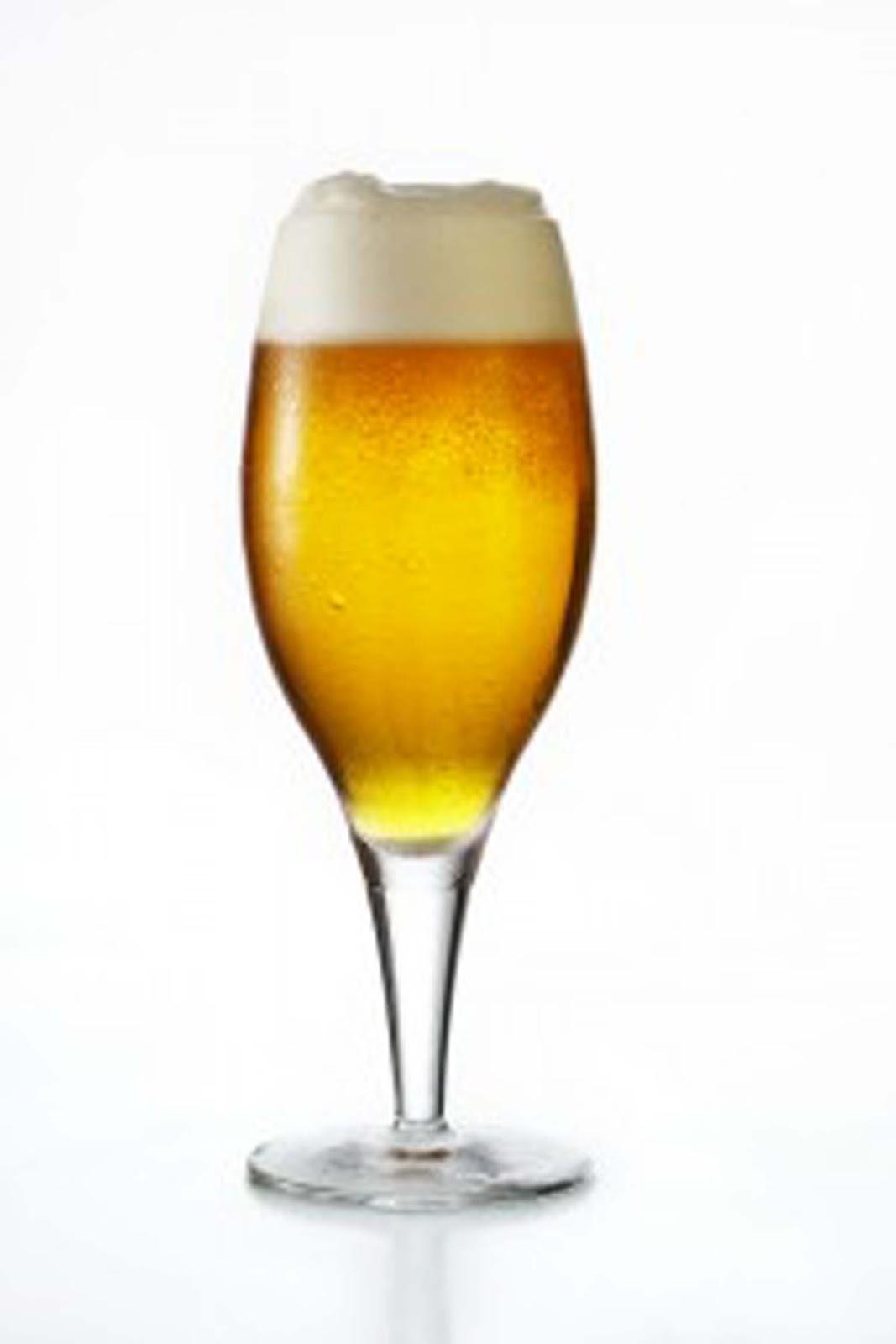 vasos de cerveza y las marcas de cervezas que se deben de