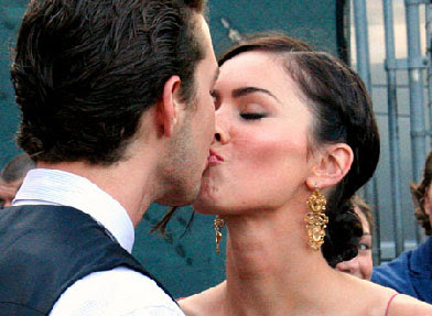 Megan Fox Kissing Images