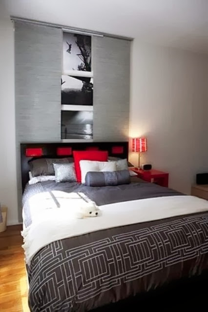 red bed pillows