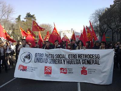 [Madrid] Fotos del bloque comunista (CJC, UP, PCPE, UJC-M) en la manifestación del 19F 19022012127