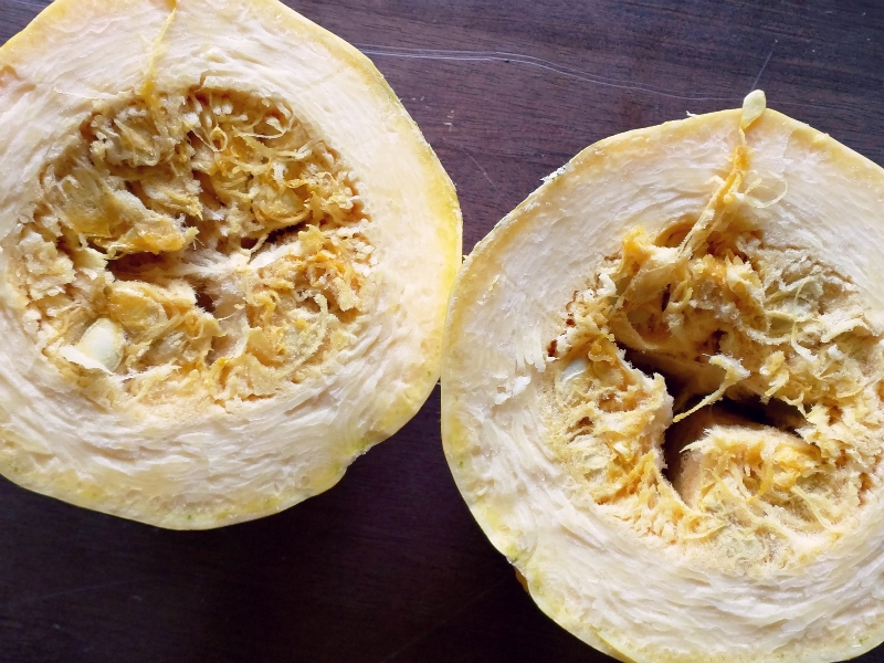 how to cook a spaghetti squash in the microwave