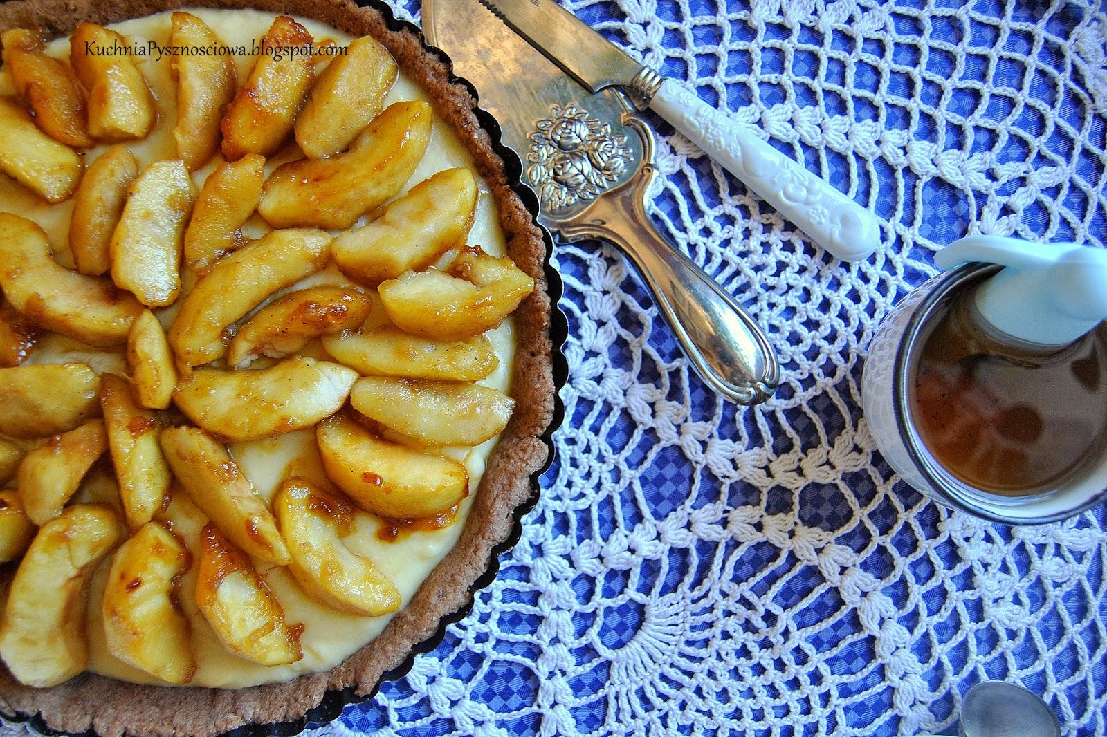 270. Tarta z karmelizowanymi jabłkami i domowym budyniem