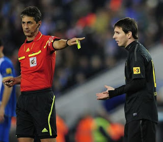 Lionel Messi no oculta su malestar con los árbitros