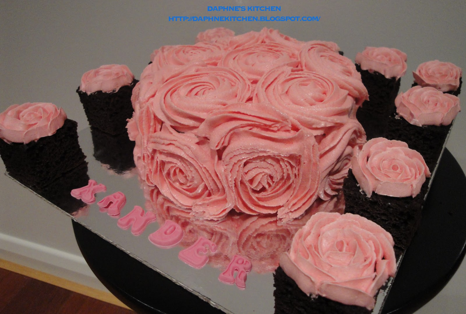 Images Of Birthday Cake And Roses : Daphne s Kitchen: Pink Roses Theme Birthday Cake for HIM