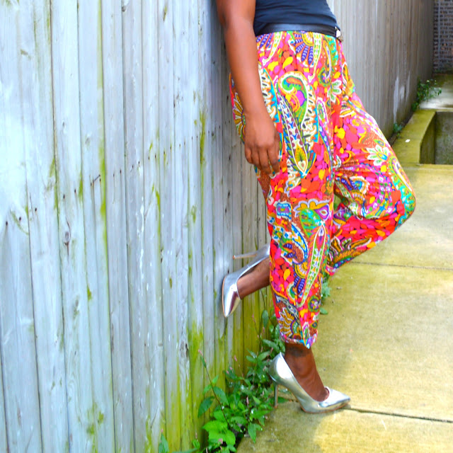 thrift and style ideas for colorful print pants