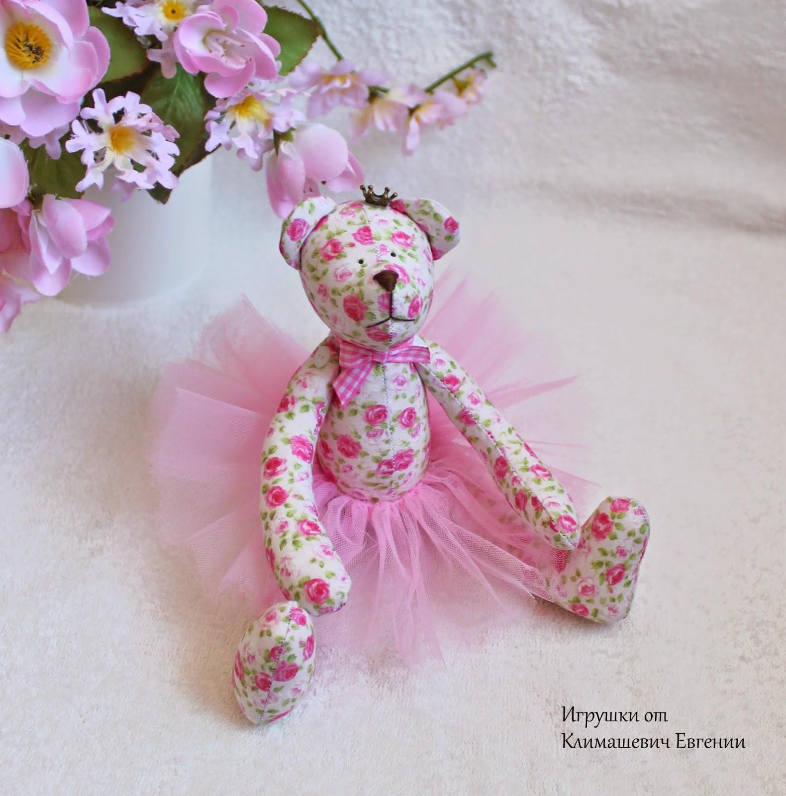 Мишка, тильда мишка, текстильный мишка, розовый, в розочку, в цветочек, в пачке, балерина, подарок, интерьерная игрушка, шебби шик, шебби стиль