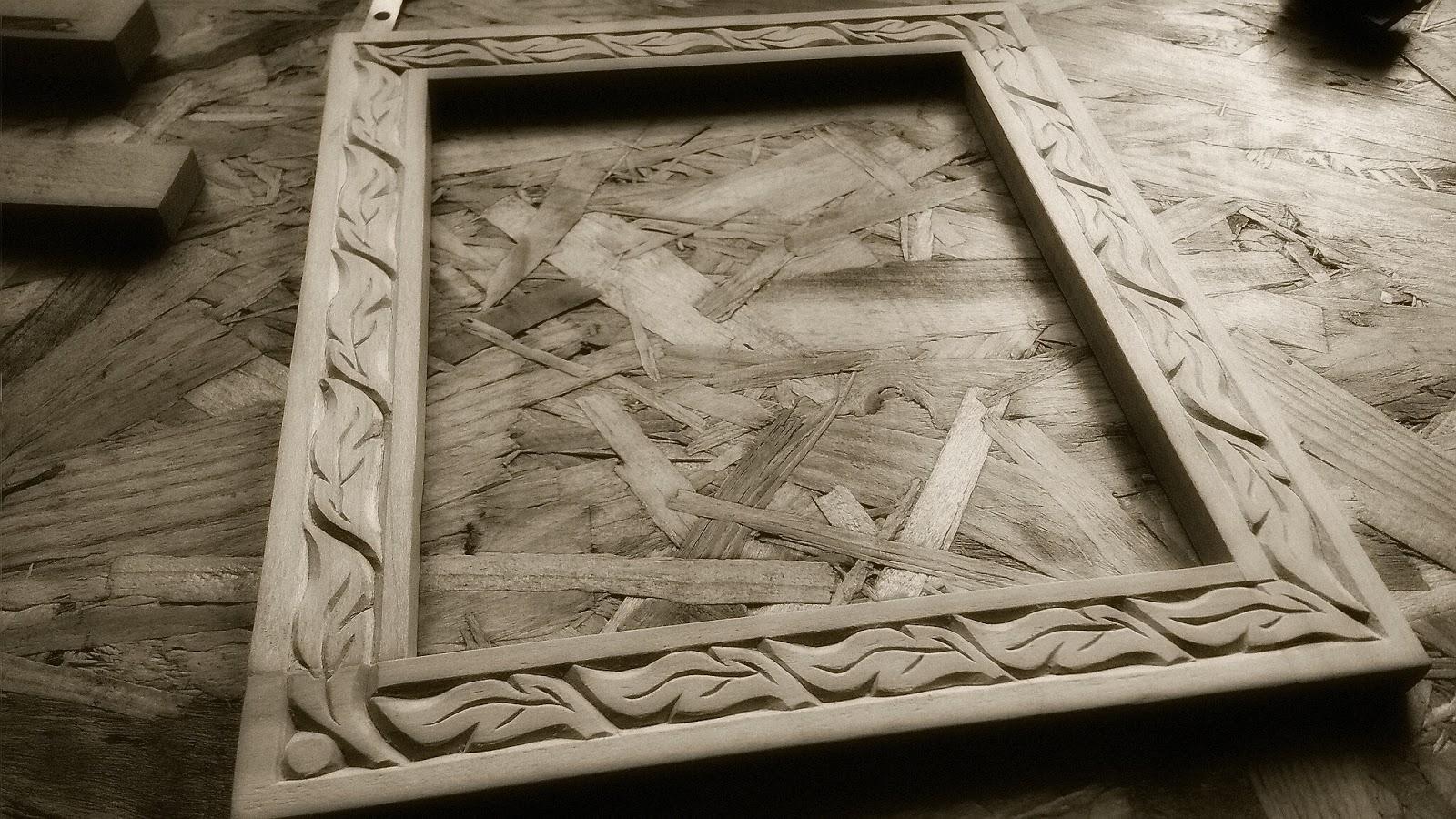 Talla y artesan a en madera marcos para fotos dibujos for Disenos de espejos tallados en madera