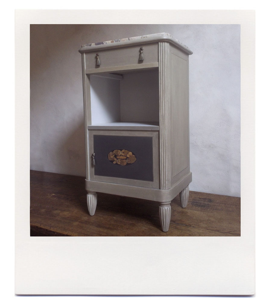 Le bricolarium meuble de chevet marquet - Petit meuble de chevet ...