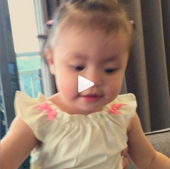Video Laraalana 'AZAN' Untuk Berbuka Dengan Mummy Scha yang CUTE GILERR!!!