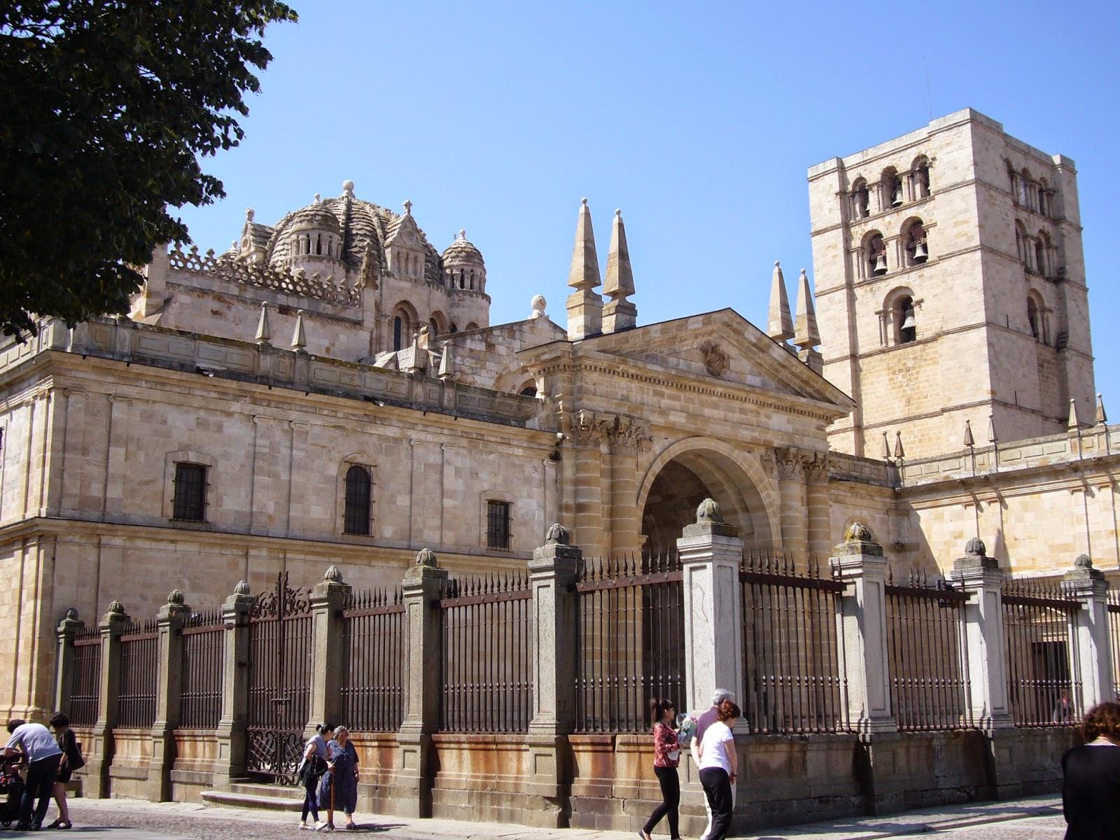 Ermitas medievales catedral del salvador zamora for Catedral de zamora interior